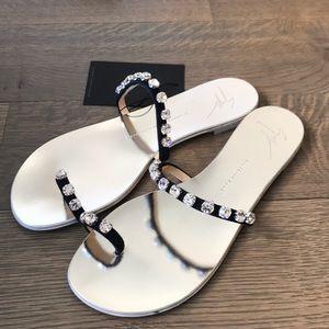 Giuseppe Zanotti flat crystal toe ring sandal